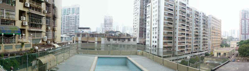 Macau-pool-pan1.jpg (45588 bytes)